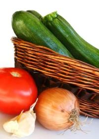 high-alkaline-foods-courgettes-tomatoes-basket