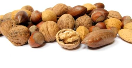 high-alkaline-foods-mixed-nuts